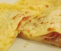 Crepes prosciutto crudo e formaggio